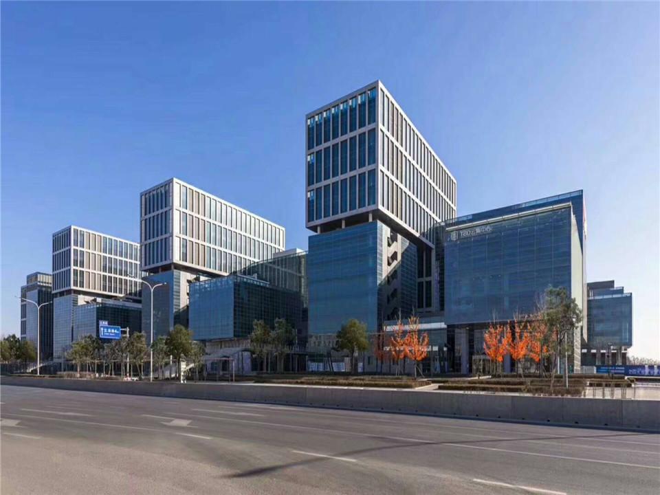 物业直租 TBD云集中心办公楼户型方正四面采光